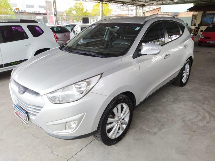 //www.autoline.com.br/carro/hyundai/ix35-20-16v-flex-4p-automatico/2014/caxias-do-sul-rs/15276763