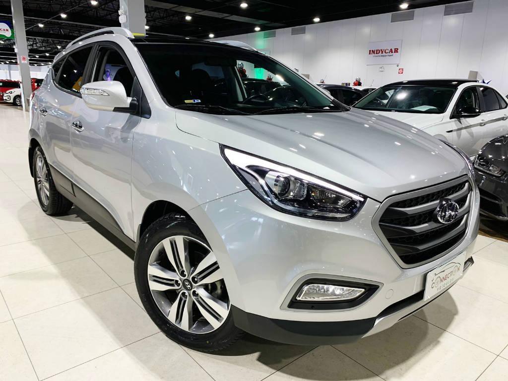 //www.autoline.com.br/carro/hyundai/ix35-20-launching-edition-16v-flex-automatico/2016/itajai-sc/15760097