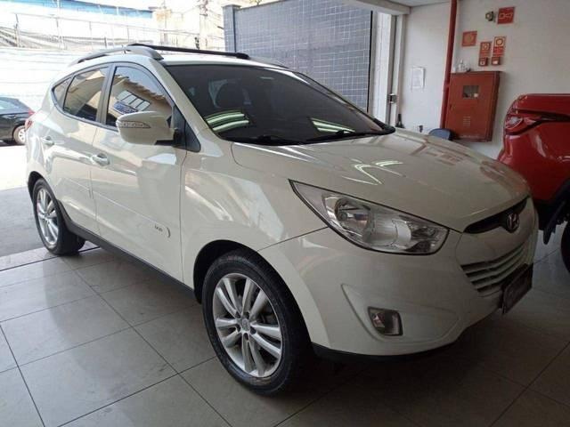 //www.autoline.com.br/carro/hyundai/ix35-20-gls-16v-flex-4p-automatico/2016/sao-paulo-sp/15774132