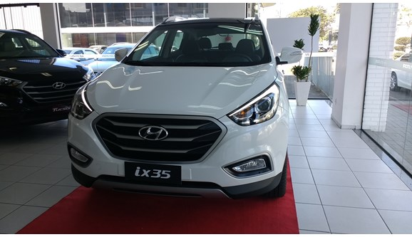 //www.autoline.com.br/carro/hyundai/ix35-20-gls-16v-flex-4p-automatico/2018/joinville-sc/3798905