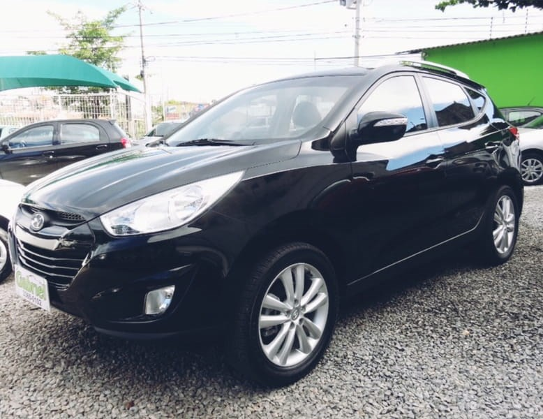 //www.autoline.com.br/carro/hyundai/ix35-20-16v-2wd-flex-4p-automatico/2015/cuiaba-mt/9408860