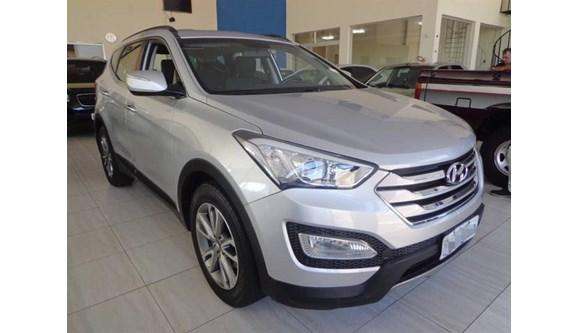 //www.autoline.com.br/carro/hyundai/santa-fe-33-gls-5l-24v-gasolina-4p-automatico-4x4/2014/aracatuba-sp/10808594