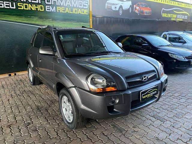 //www.autoline.com.br/carro/hyundai/tucson-20-gls-16v-flex-4p-automatico/2017/brasilia-df/13105225