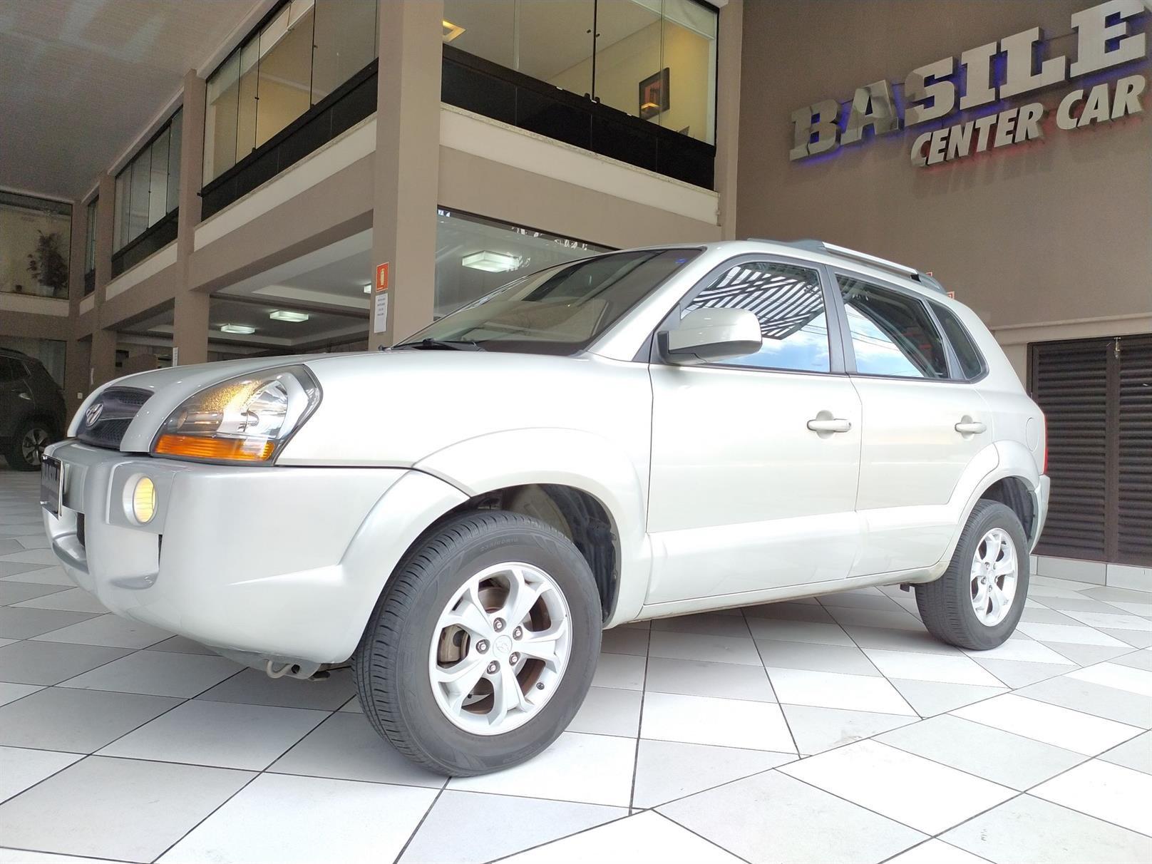 //www.autoline.com.br/carro/hyundai/tucson-20-gls-16v-flex-4p-automatico/2014/sao-paulo-sp/13575163