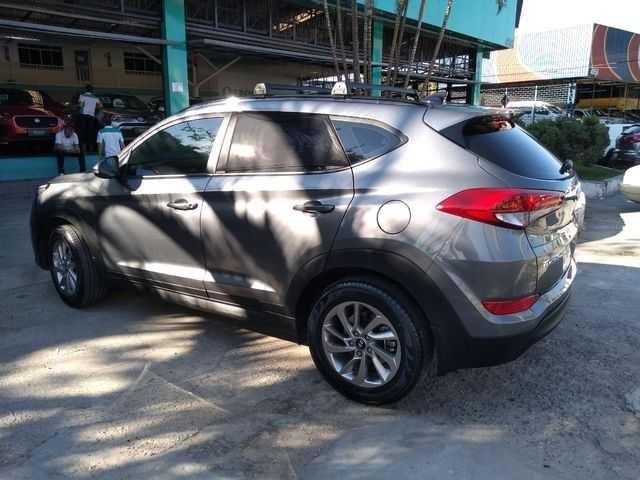 //www.autoline.com.br/carro/hyundai/tucson-16-gls-16v-gasolina-4p-turbo-automatizado/2018/sao-paulo-sp/14901190