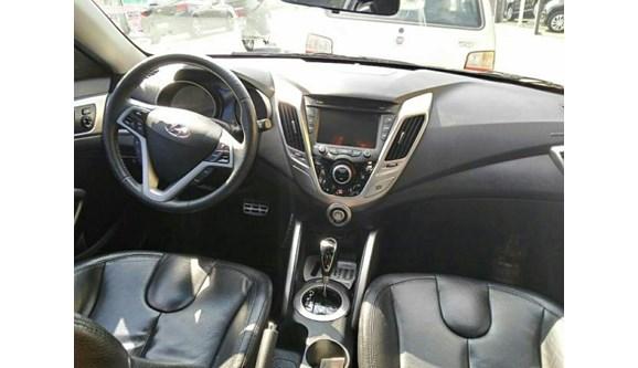 //www.autoline.com.br/carro/hyundai/veloster-16-16v-gasolina-4p-automatico/2012/indaiatuba-sp/6091061