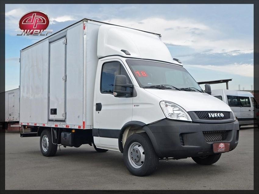 //www.autoline.com.br/carro/iveco/daily-30-35s14-cs-8v-diesel-2p-manual/2018/americana-sp/13002516