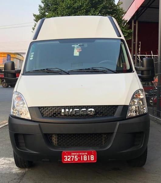//www.autoline.com.br/carro/iveco/daily-30-45s17-minibus-turismo-executivo-8v-diesel/2019/curitiba-pr/13548582