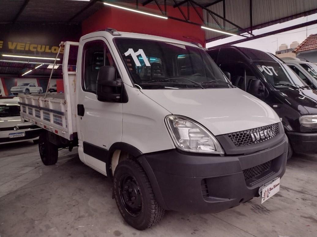 //www.autoline.com.br/carro/iveco/daily-30-35s14-cd-3450-luxo-8v-diesel-2p-turbo-manu/2011/sao-paulo-sp/14070802