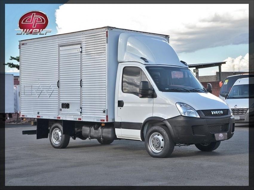 //www.autoline.com.br/carro/iveco/daily-30-35s14-cs-3450-8v-diesel-2p-turbo-manual/2018/americana-sp/14605937