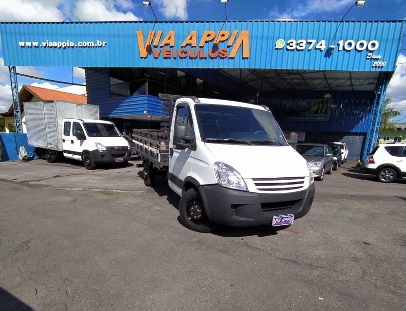 //www.autoline.com.br/carro/iveco/daily-30-35s14-cs-3750-luxo-8v-diesel-2p-turbo-manu/2011/curitiba-pr/14681738