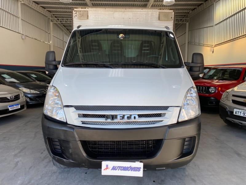 //www.autoline.com.br/carro/iveco/daily-30-35s14-cs-3450-luxo-8v-diesel-2p-turbo-manu/2008/curitiba-pr/15245884
