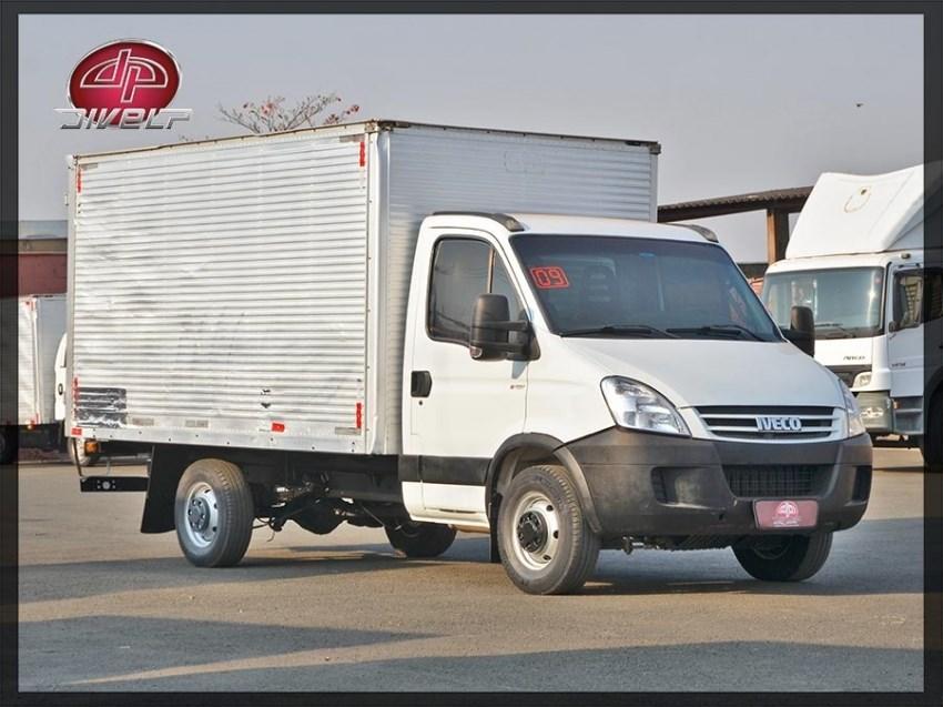 //www.autoline.com.br/carro/iveco/daily-30-35s14-cs-3000-exclusive-2-8v-diesel-2p-tur/2009/americana-sp/15756650