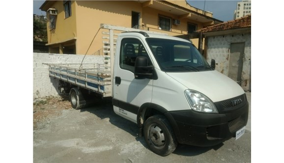 //www.autoline.com.br/carro/iveco/daily-30-35s14-cs-8v-diesel-2p-manual/2014/rio-de-janeiro-rj/6972187