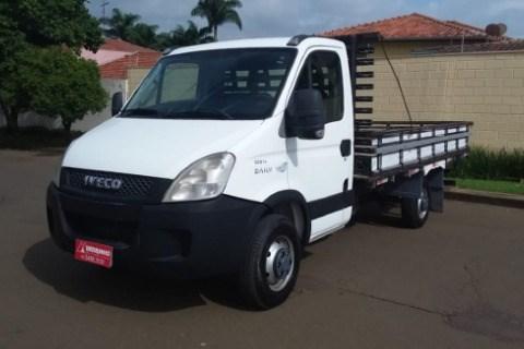 //www.autoline.com.br/carro/iveco/daily-chassi-35s14-136cv-2p-diesel-manual-basico/2013/nova-odessa-sp/13576822