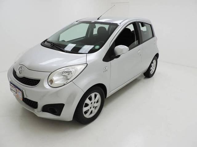 //www.autoline.com.br/carro/jac/j2-14-16v-gasolina-4p-manual/2014/sao-jose-sc/12512372