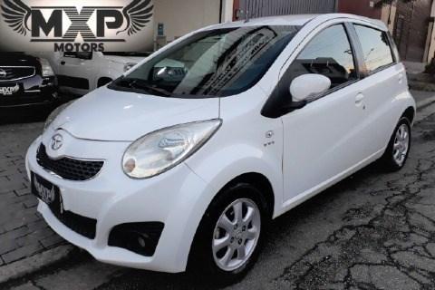 //www.autoline.com.br/carro/jac/j2-14-16v-gasolina-4p-manual/2014/sao-paulo-sp/15061355