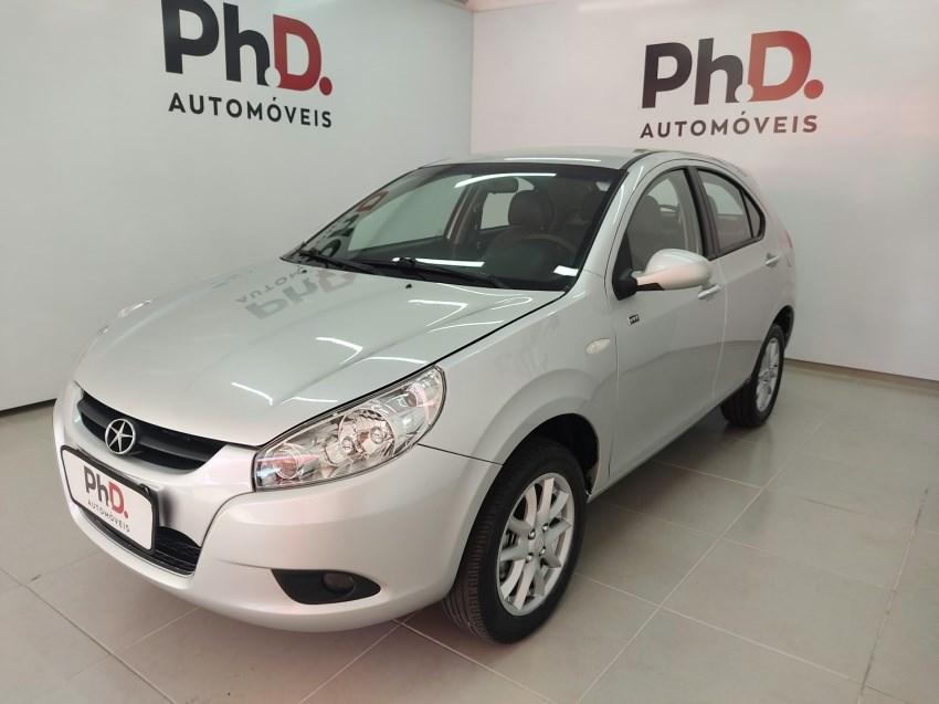 //www.autoline.com.br/carro/jac/j3-14-hatch-16v-gasolina-4p-manual/2012/brasilia-df/14639001