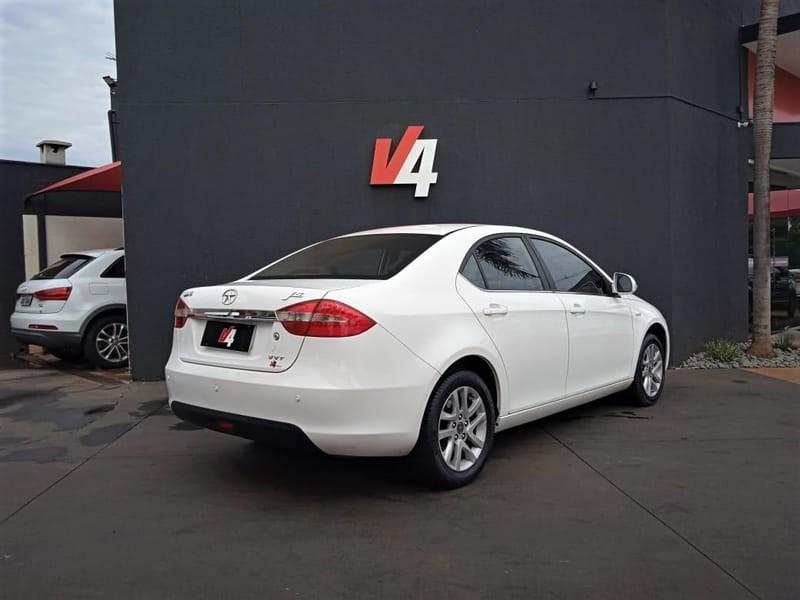 //www.autoline.com.br/carro/jac/j5-15-16v-gasolina-4p-manual/2014/campo-grande-ms/14948150