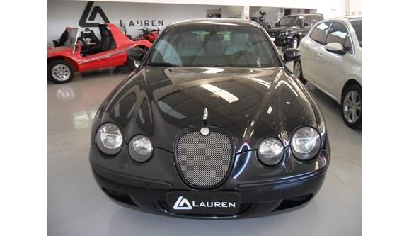 //www.autoline.com.br/carro/jaguar/x-type-30-se-v-6-230cv-4p-gasolina-automatico/2009/ferraz-de-vasconcelos-sp/769775