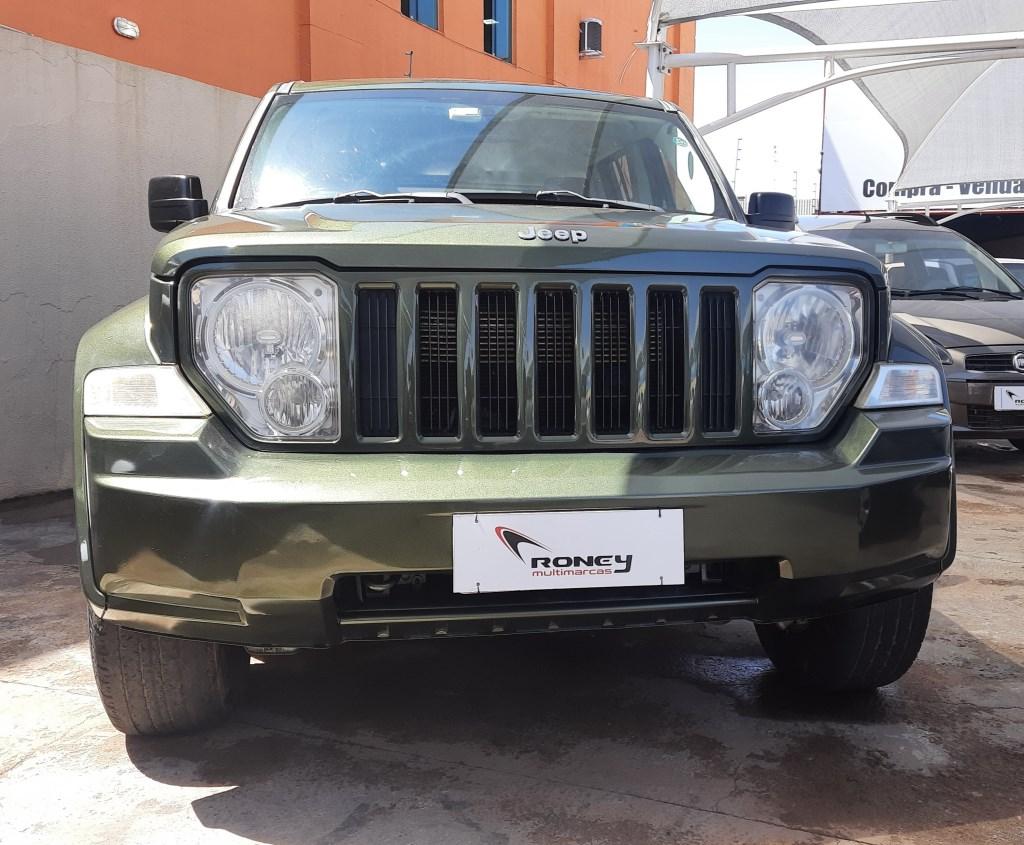 //www.autoline.com.br/carro/jeep/cherokee-37-v6-sport-12v-gasolina-4p-4x4-automatico/2008/brasilia-df/15589116