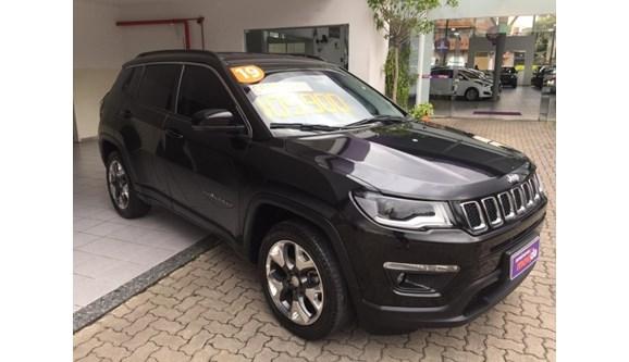 //www.autoline.com.br/carro/jeep/compass-20-longitude-16v-flex-4p-automatico/2019/sao-paulo-sp/10972567