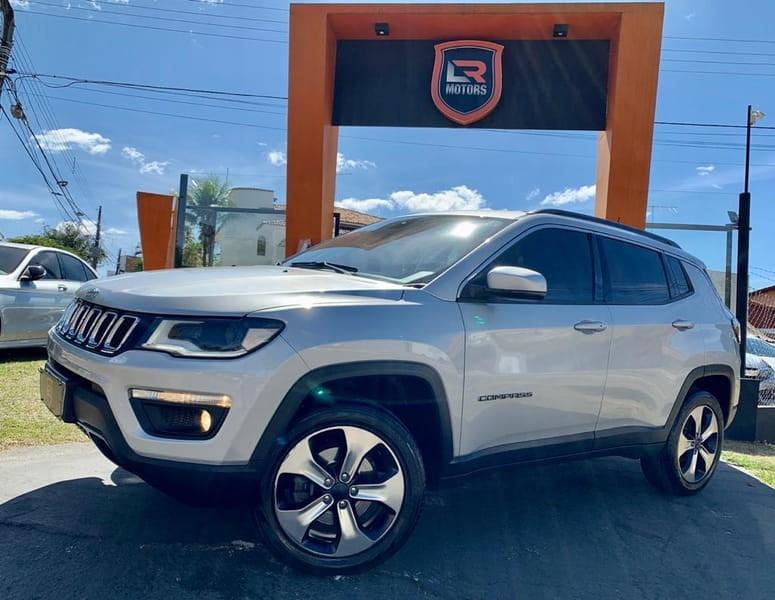 //www.autoline.com.br/carro/jeep/compass-20-longitude-16v-diesel-4p-automatico-4x4-tur/2017/goiania-go/11954321