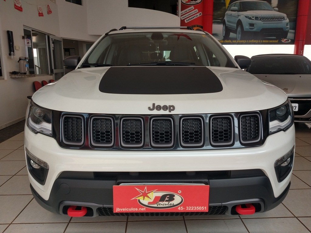 //www.autoline.com.br/carro/jeep/compass-20-trailhawk-16v-diesel-4p-automatico-4x4-tur/2018/cascavel-pr/12994263