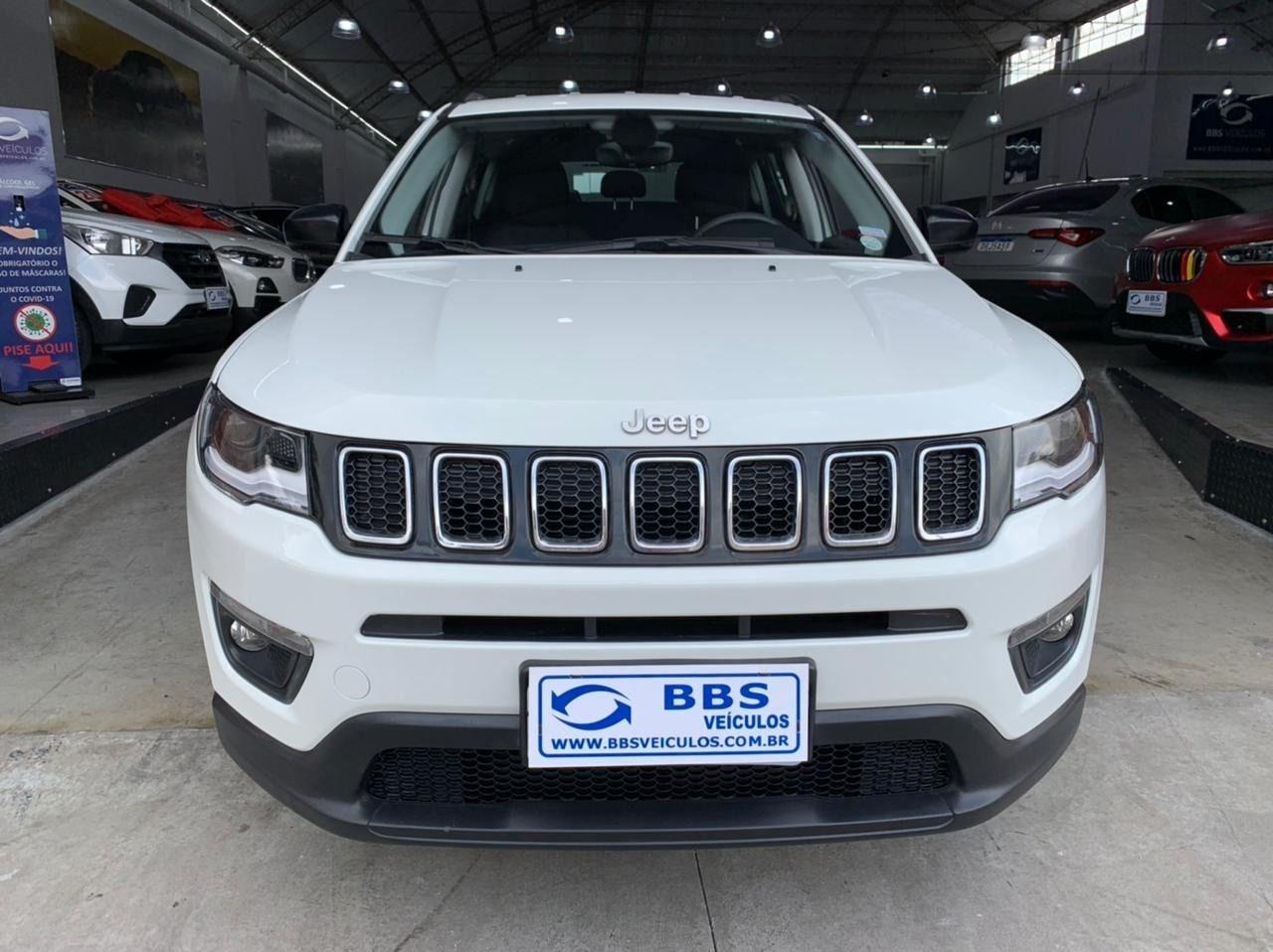 //www.autoline.com.br/carro/jeep/compass-20-sport-16v-flex-4p-automatico/2018/sao-paulo-sp/13569798