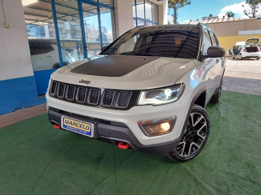 //www.autoline.com.br/carro/jeep/compass-20-trailhawk-16v-diesel-4p-automatico-4x4-tur/2020/sarandi-rs/13821076