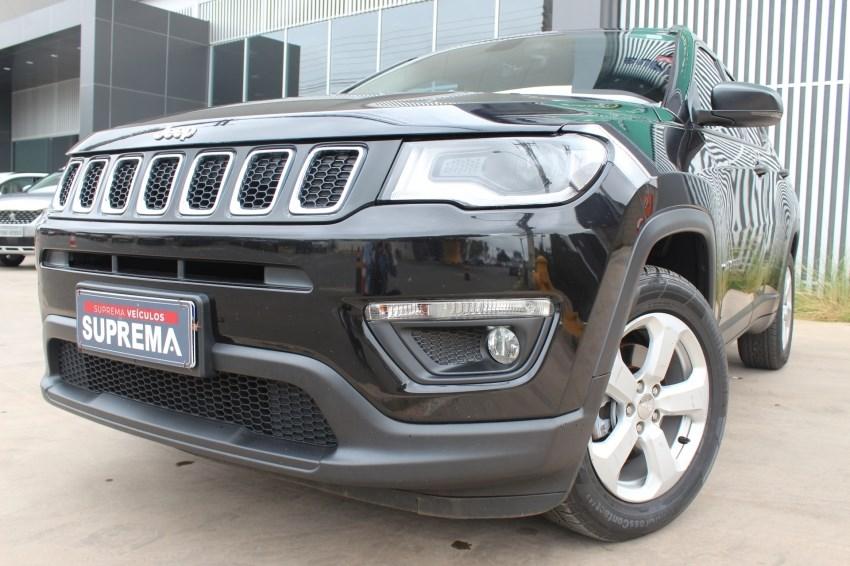 //www.autoline.com.br/carro/jeep/compass-20-sport-16v-flex-4p-automatico/2017/brasilia-df/14401797