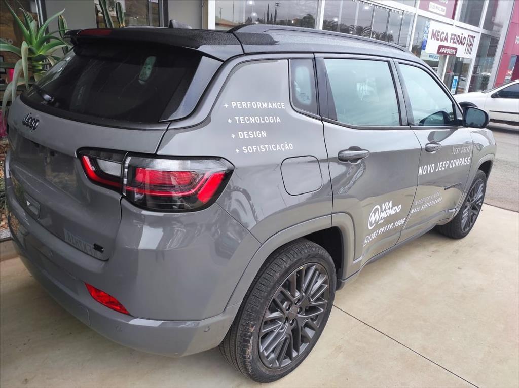 //www.autoline.com.br/carro/jeep/compass-13-t270-serie-s-16v-flex-4p-turbo-automatico/2022/pouso-alegre-mg/14865364