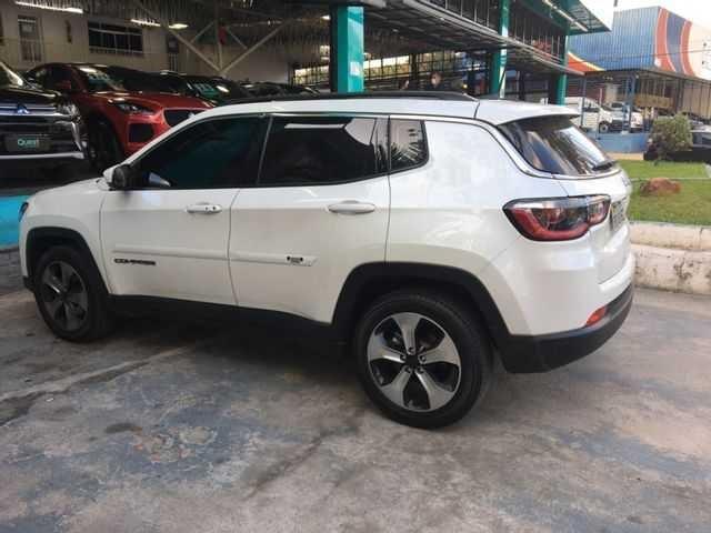 //www.autoline.com.br/carro/jeep/compass-20-longitude-16v-flex-4p-automatico/2017/sao-paulo-sp/14946936