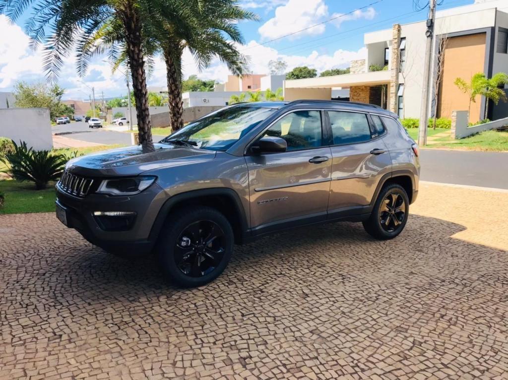 //www.autoline.com.br/carro/jeep/compass-20-longitude-16v-diesel-4p-4x4-turbo-automati/2017/ribeirao-preto-sp/15077549