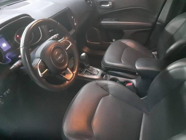 //www.autoline.com.br/carro/jeep/compass-20-longitude-16v-flex-4p-automatico/2018/sao-paulo-sp/15210992