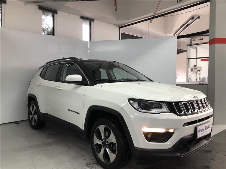//www.autoline.com.br/carro/jeep/compass-20-longitude-16v-flex-4p-automatico/2017/sao-paulo-sp/15270207