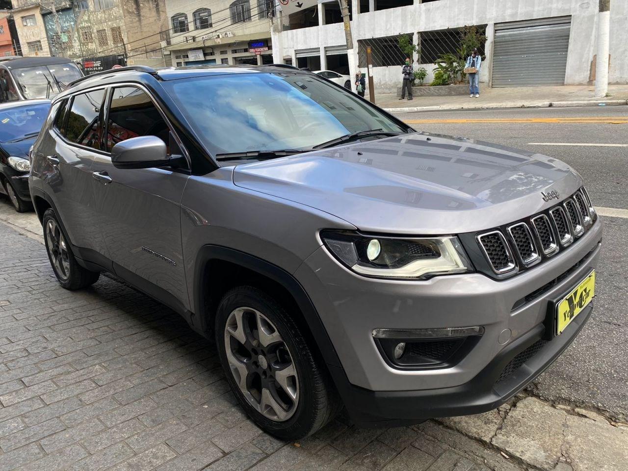//www.autoline.com.br/carro/jeep/compass-20-sport-16v-flex-4p-automatico/2019/sao-paulo-sp/15693482