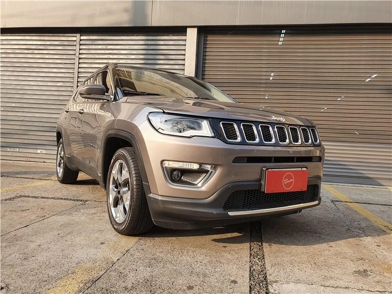 //www.autoline.com.br/carro/jeep/compass-20-limited-16v-flex-4p-automatico/2018/sao-paulo-sp/15760568