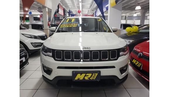 //www.autoline.com.br/carro/jeep/compass-20-longitude-16v-flex-4p-automatico/2017/osasco-sp/6785543
