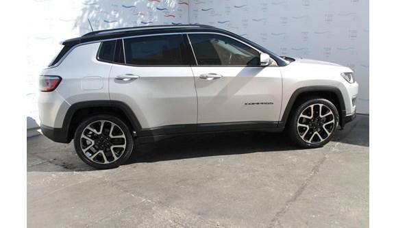 //www.autoline.com.br/carro/jeep/compass-20-limited-16v-flex-4p-automatico/2018/varzea-grande-mt/7016995