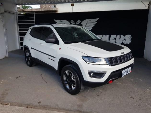 //www.autoline.com.br/carro/jeep/compass-20-trailhawk-16v-diesel-4p-automatico-4x4-tur/2017/campos-dos-goytacazes-rj/8590351