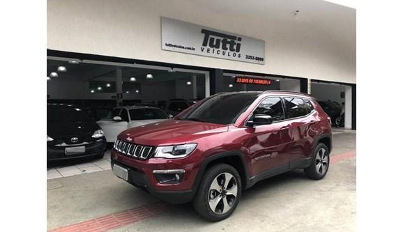 //www.autoline.com.br/carro/jeep/compass-20-longitude-16v-diesel-4p-automatico-4x4-tur/2017/belo-horizonte-mg/9064627
