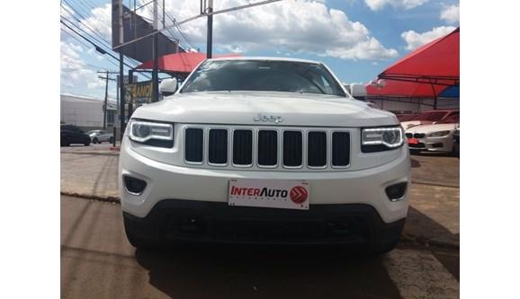 //www.autoline.com.br/carro/jeep/grand-cherokee-36-laredo-24v-gasolina-4p-automatico-4x4/2014/campo-grande-ms/10530173