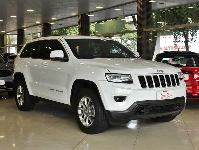 //www.autoline.com.br/carro/jeep/grand-cherokee-36-v6-laredo-24v-gasolina-4p-4x4-automatico/2015/novo-hamburgo-rs/14973490