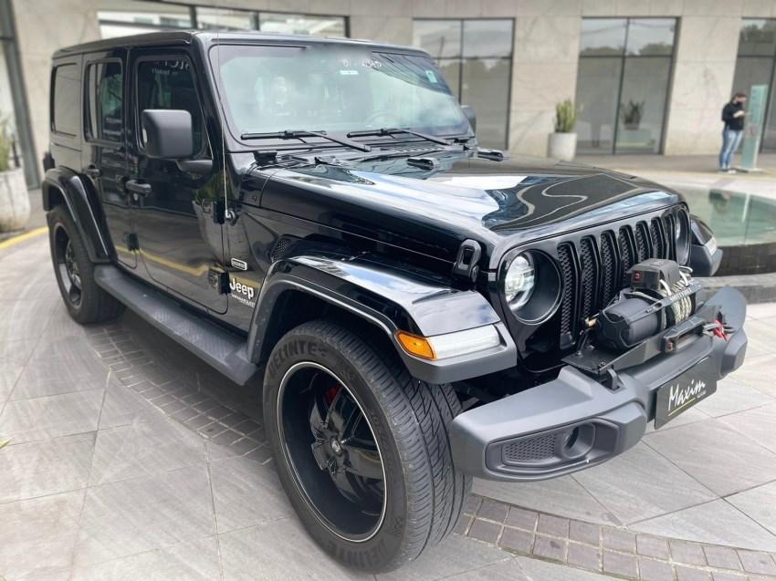 //www.autoline.com.br/carro/jeep/wrangler-20-unlimited-sahara-overland-16v-gasolina-4p/2020/porto-alegre-rs/15708616