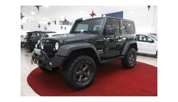 //www.autoline.com.br/carro/jeep/wrangler-38-sport-12v-gasolina-2p-automatico-4x4/2007/brusque-sc/6415672