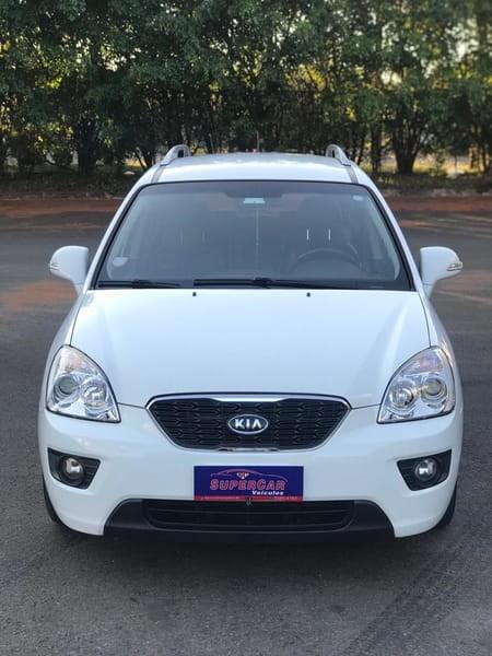 //www.autoline.com.br/carro/kia/carens-20-ex-16v-gasolina-4p-automatico/2011/brasilia-df/14944350