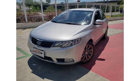 //www.autoline.com.br/carro/kia/cerato-16-sx-16v-sedan-gasolina-4p-automatico/2013/sao-jose-dos-campos-sp/10372121