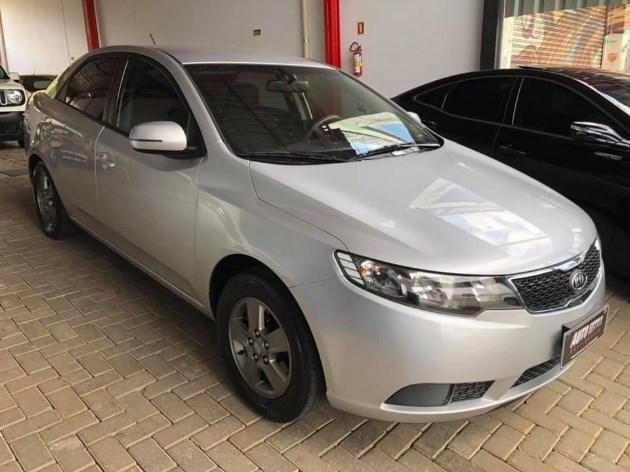 //www.autoline.com.br/carro/kia/cerato-16-ex-16v-sedan-gasolina-4p-manual/2013/estancia-velha-rs/11020695