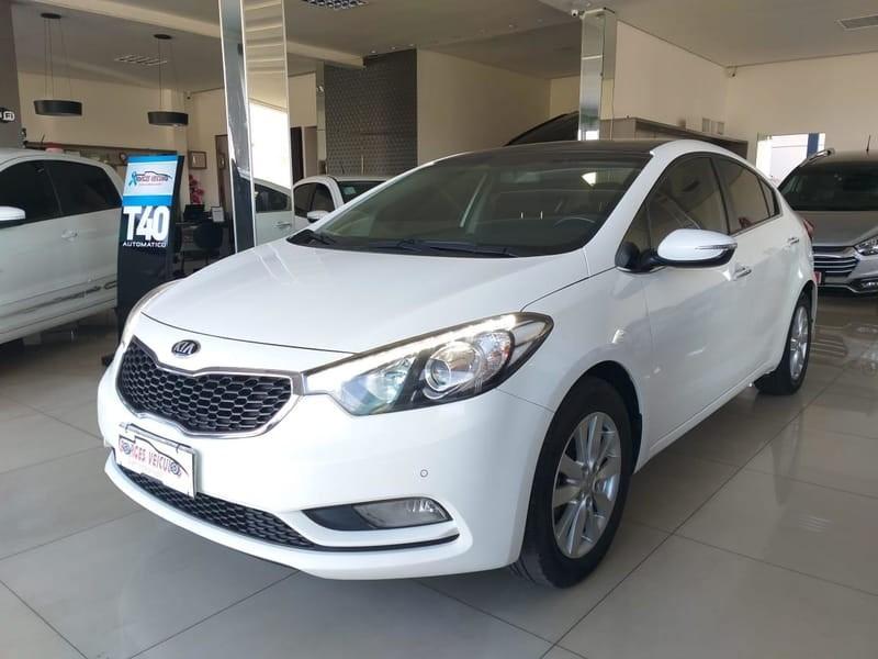 //www.autoline.com.br/carro/kia/cerato-16-sx-16v-sedan-t-4p-automatico/2014/cuiaba-mt/11945279